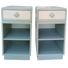 Lovely Pair of Kittinger Modern Side Table or Nightstands