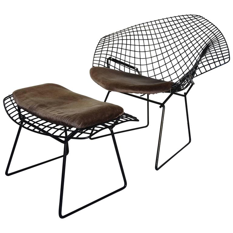 harry bertoia diamond chair and footstool knoll edition at 1stdibs. Black Bedroom Furniture Sets. Home Design Ideas