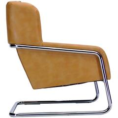 Large and sturdy Modernist Chrome Cantilevered Chair