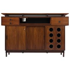 Danish Dry Bar in Rosewood for Dyrlund