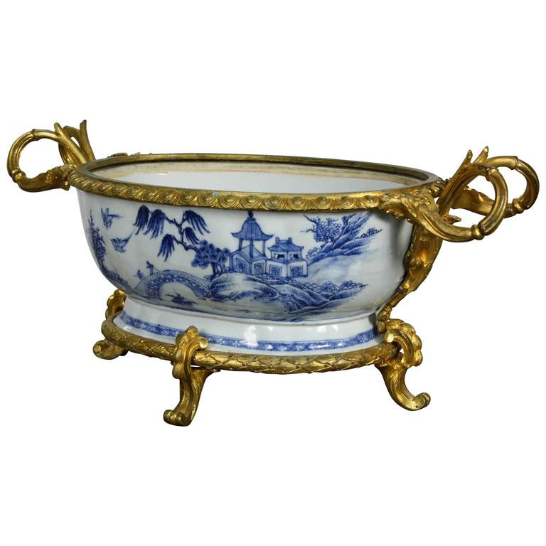French Chinoiserie Jardinière with Gilt Bronze Mounts For Sale