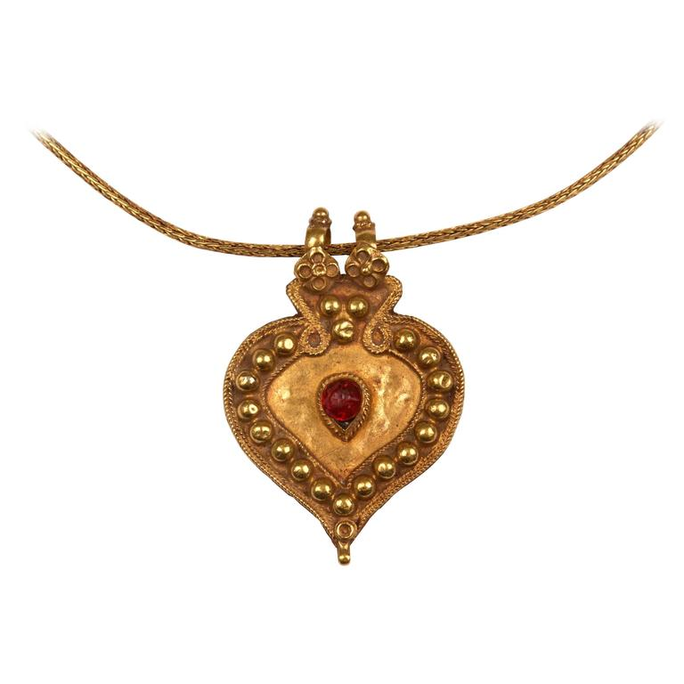 22 karat gold indian pendant necklace with ruby glass bead at 1stdibs 22 karat gold indian pendant necklace with ruby glass bead for sale aloadofball Choice Image