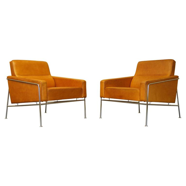 Arne Jacobsen 3300 Airport Easy Chairs / Armchairs   Tan Leather   Fritz  Hansen For Sale