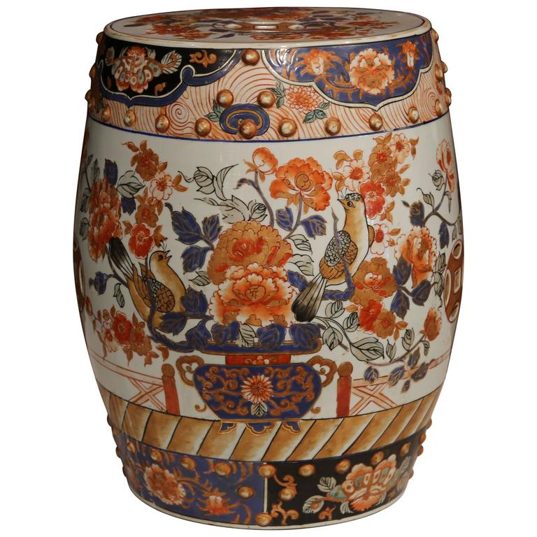 Merveilleux 19th Century Japanese Hand Painted Porcelain Imari Stool With Birds And  Flowers For Sale