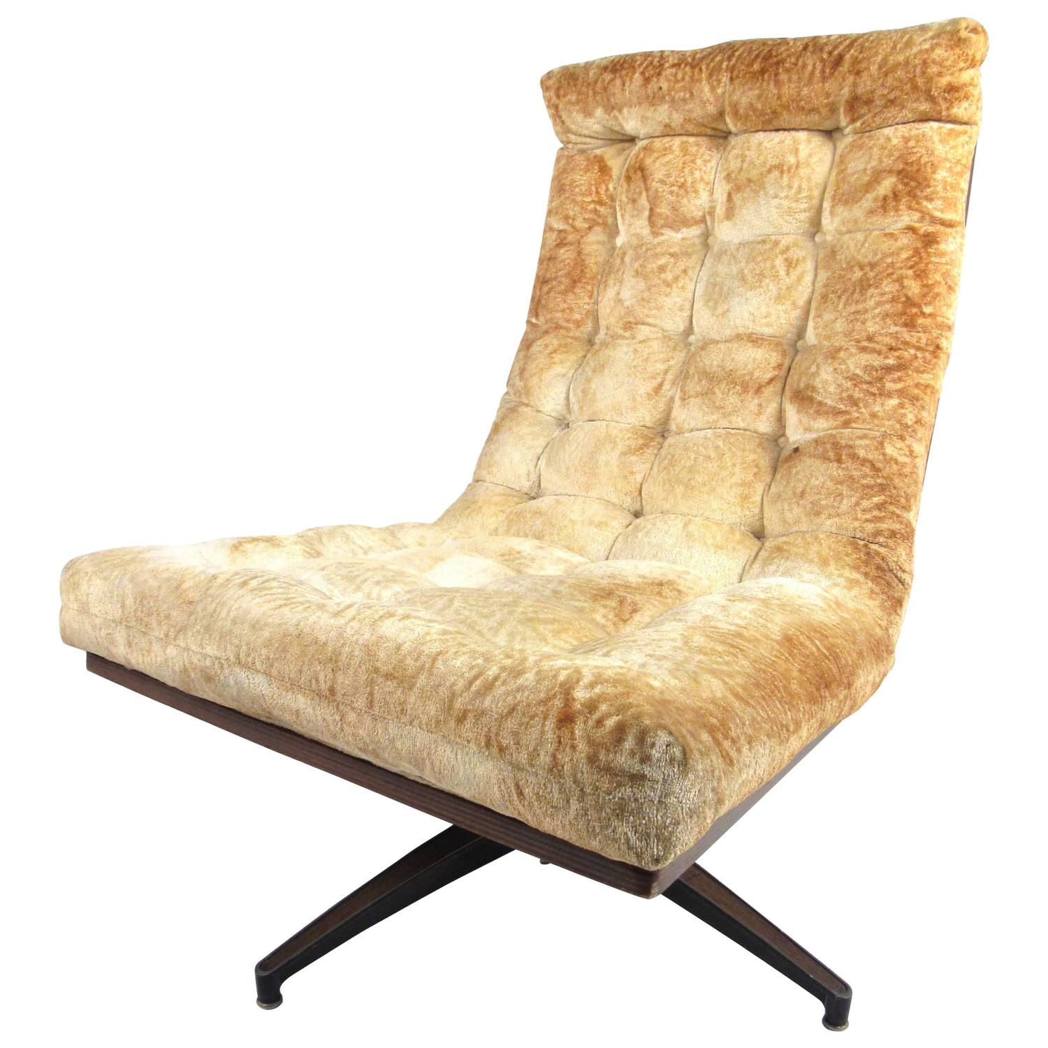 Mid Century Chairs For Sale: Mid-Century Modern Shell Back Swivel Lounge Chair For Sale