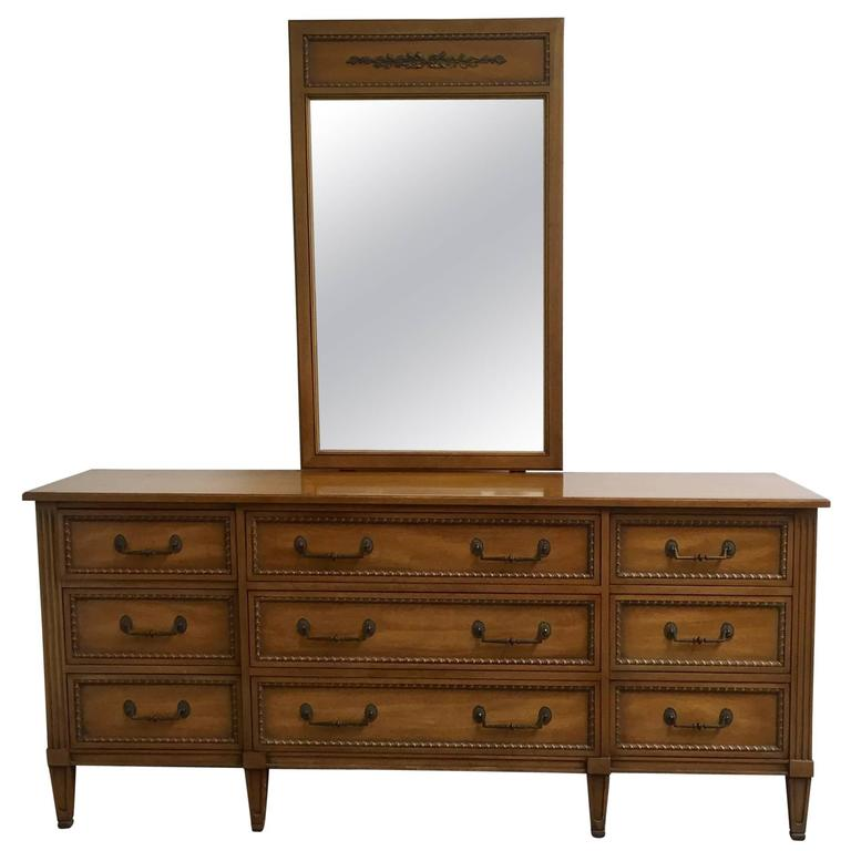 Henredon Regency Style Dresser With Mirror At 1stdibs