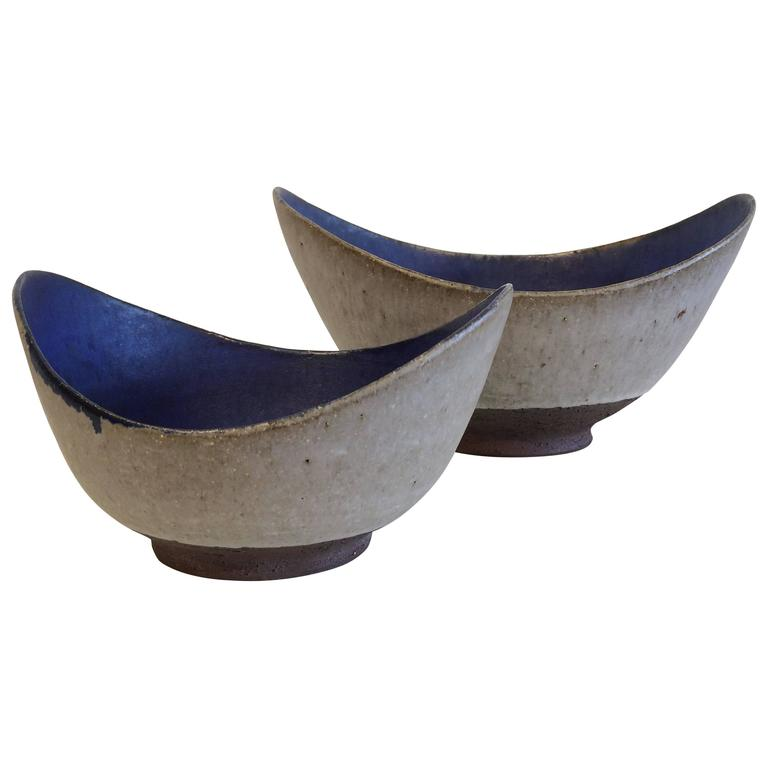 Two Thomas Toft Bowls Studio Pottery, Denmark, 1950s
