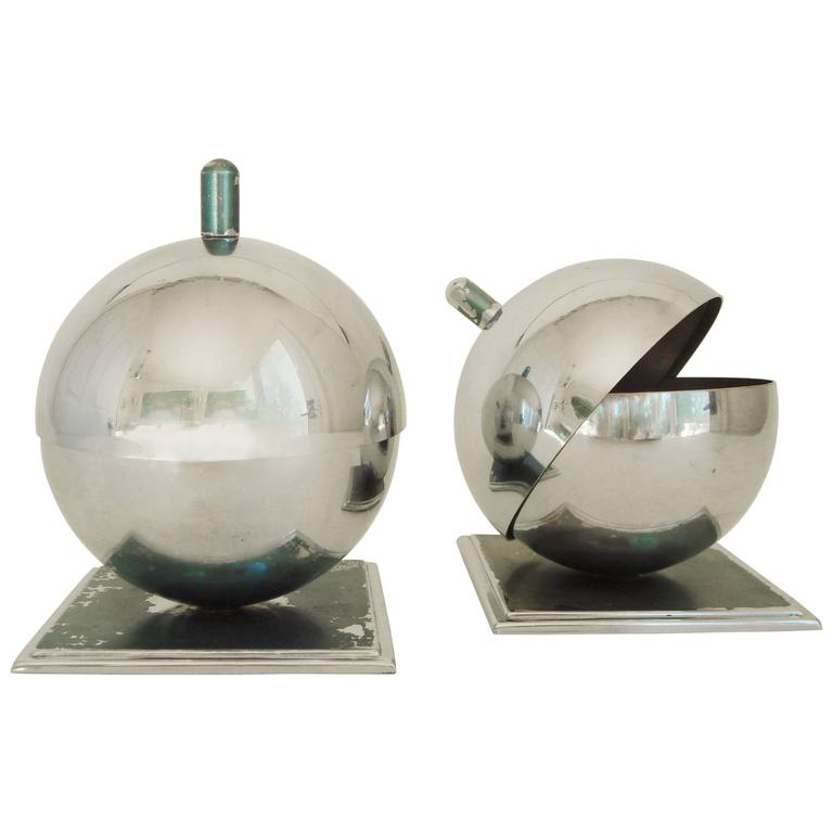 Pair of American Art Deco Chrome Globe Ashtrays by Walter Von Nessen for Chase