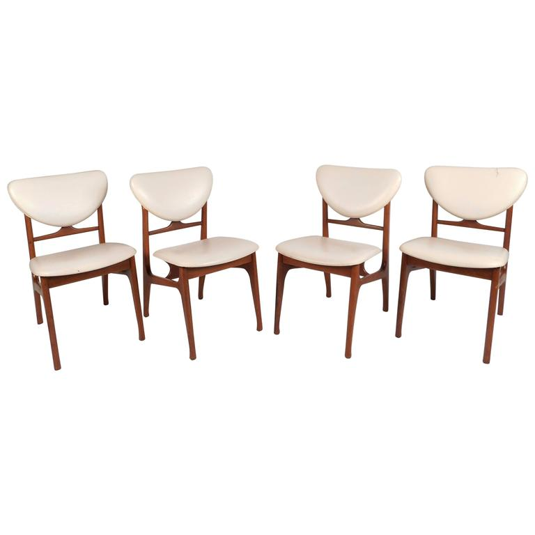 Set of Mid-Century Modern Teak Dining Chairs in the Style of Finn Juhl