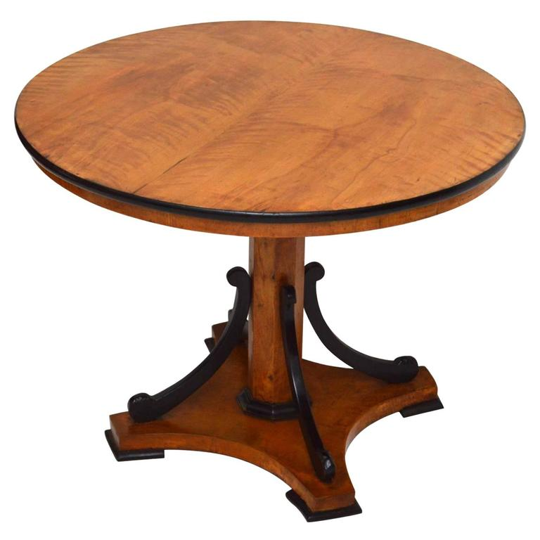 Antique Biedermeier Centre Table or Dining Table at 1stdibs : 6119653l from www.1stdibs.com size 768 x 768 jpeg 36kB