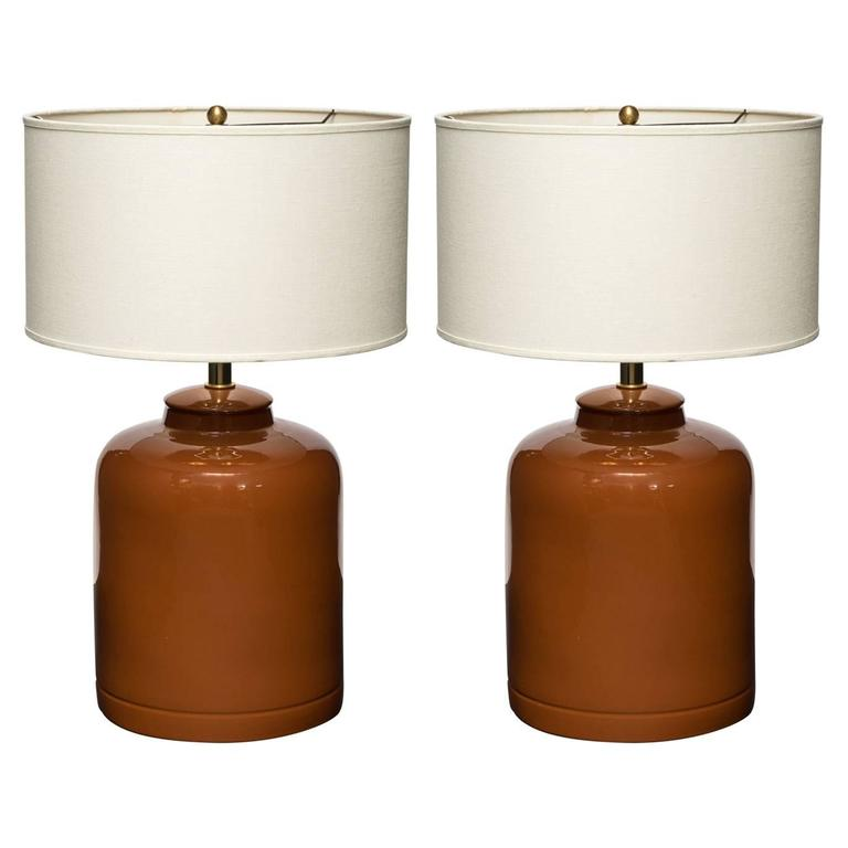 Pair of Mid-Century Modern Ceramic Table Lamps in Cognac For Sale
