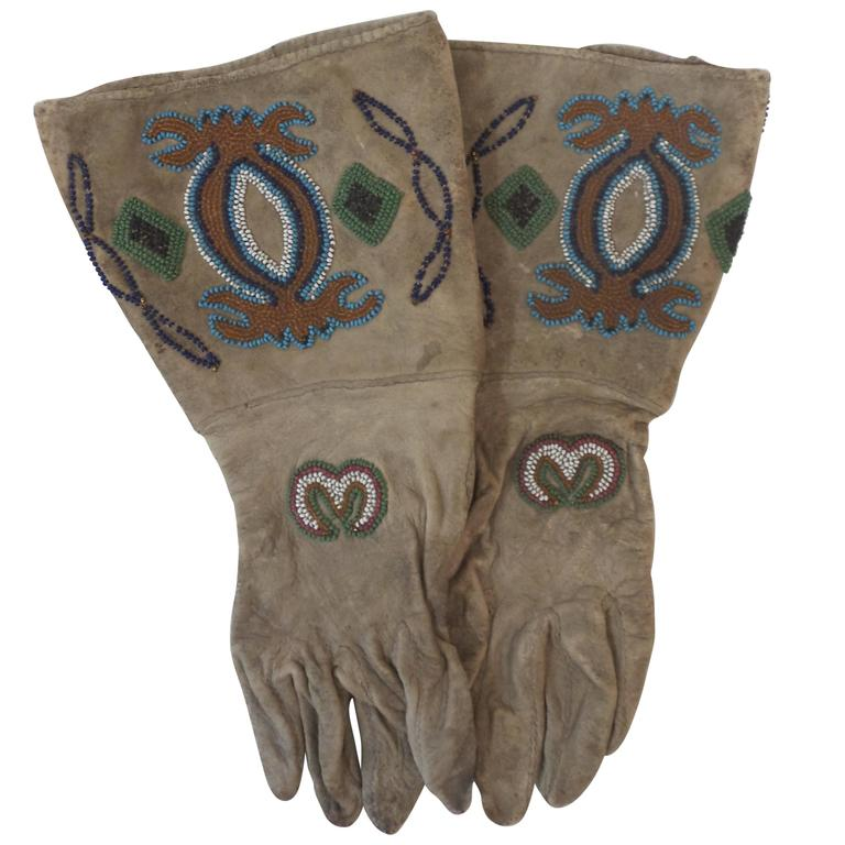 19th Century Native American Beaded Gloves For Sale