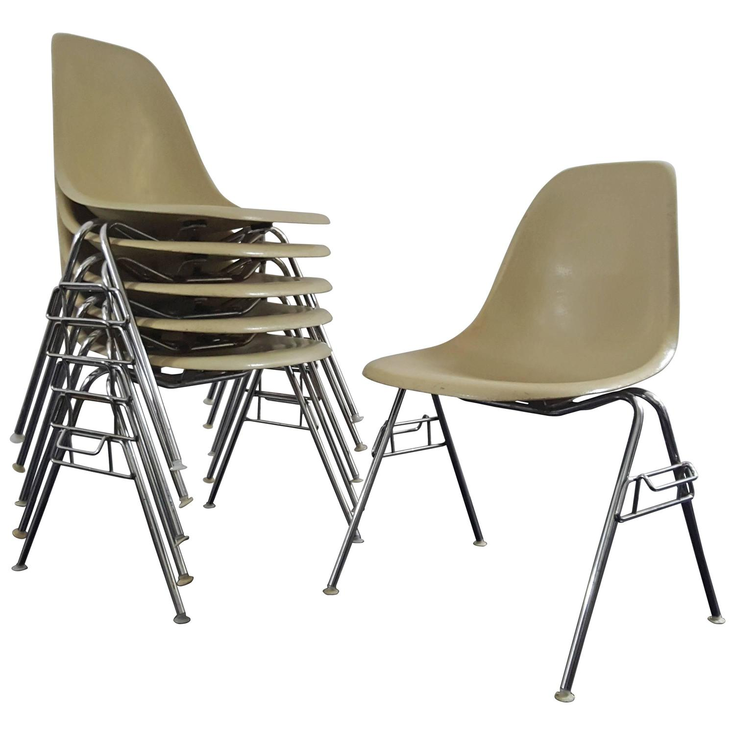 original vintage charles and ray eames dss stacking chairs for herman miller for sale at 1stdibs. Black Bedroom Furniture Sets. Home Design Ideas