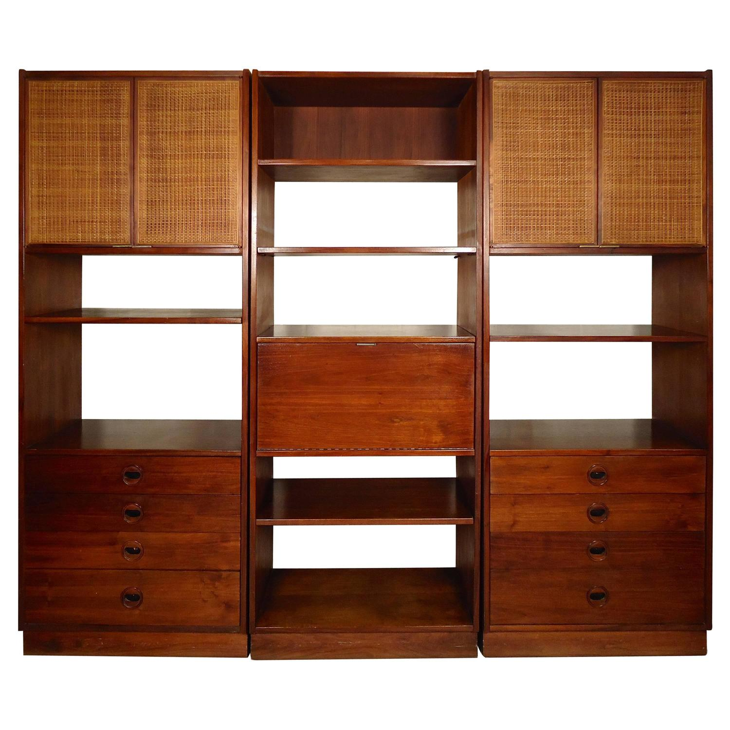 mid century modern three piece wall unit for sale at 1stdibs. Black Bedroom Furniture Sets. Home Design Ideas