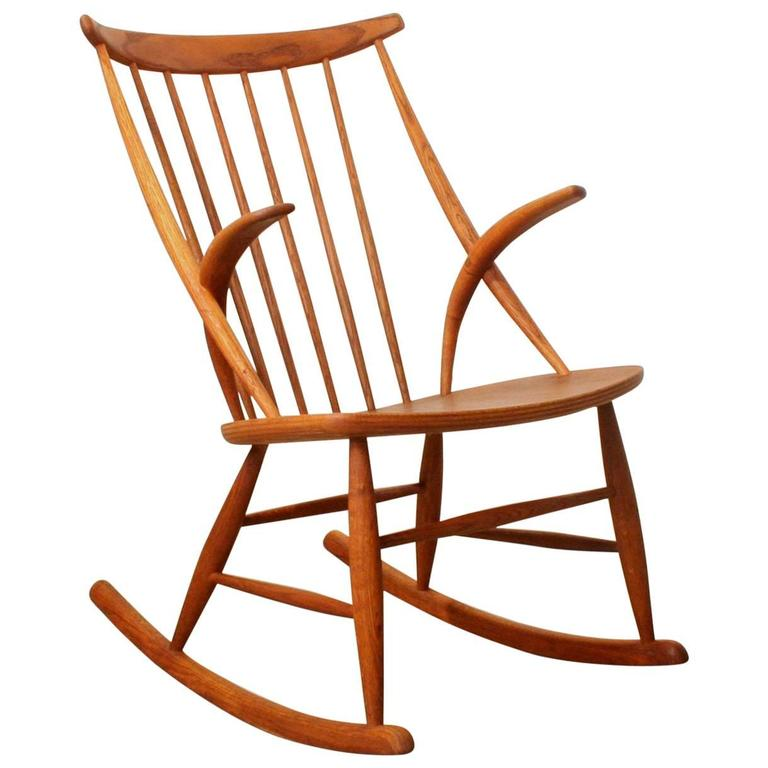 ... Danish Oak Rocking Chair by Illum Wikkelsoe For Sale at 1stdibs