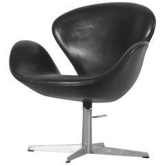 Arne Jacobsen Swan with Original Leather