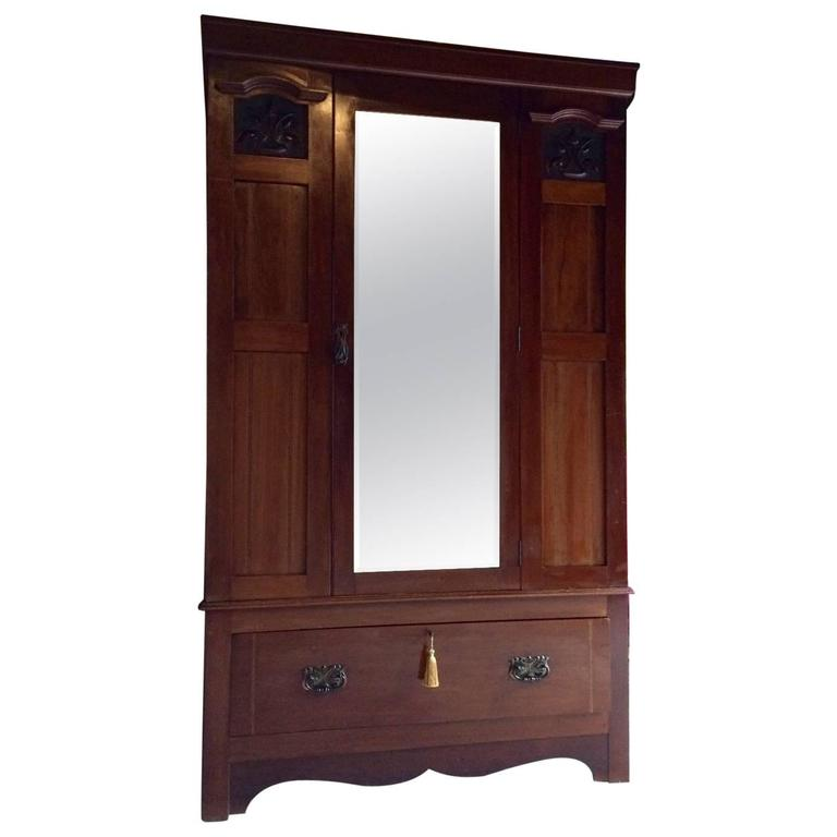 antique edwardian mahogany wardrobe armoire at 1stdibs. Black Bedroom Furniture Sets. Home Design Ideas