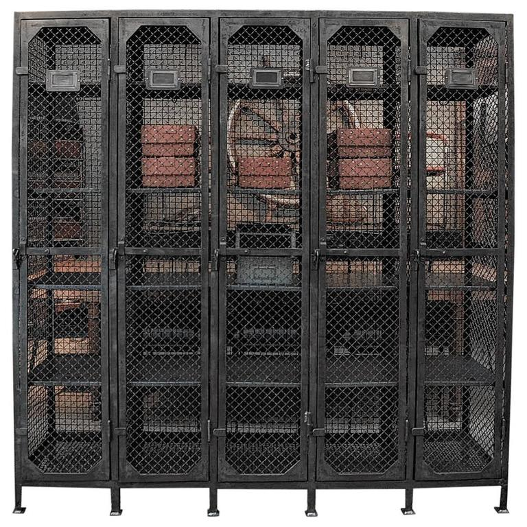 Exceptionnel Five Doors Industrial Iron Mesh Cabinet, 1950 For Sale