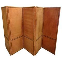 Folding Wall Screen