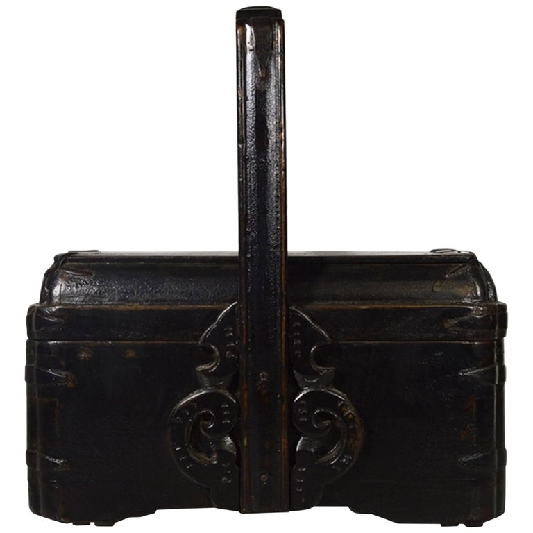 Antique Handmade Carved Detailed Elmwood Basket from, 19th Century, China