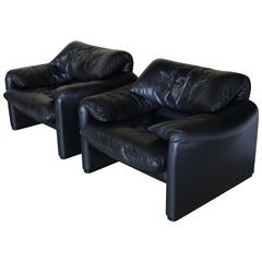 "Pair of Black Leather ""Maralunga"" Lounge Chairs by Vico Magistretti for Cassina"