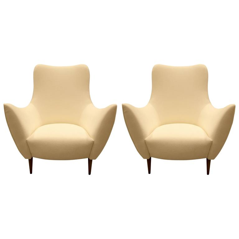 Pair of Midcentury Style Ivory Italian Lounge or Armchairs with Flared Arms For Sale