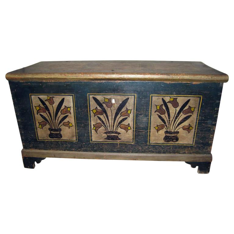American Pennsylvania Dutch Stenciled Blanket Chest For Sale