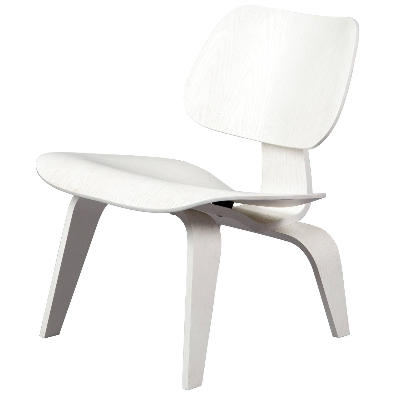 lounge chair wood 39 lcw 39 white limited edition eames vitra for sale at 1stdibs. Black Bedroom Furniture Sets. Home Design Ideas