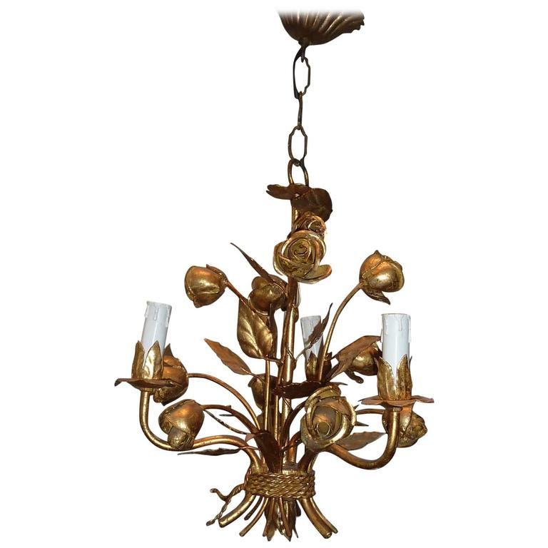 1960s Italian Gilded Rose Flower Chandelier Hollywood Regency Style For Sale