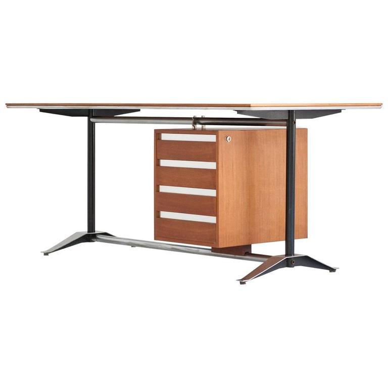 Italian Mid-Century Modern Teak Desk Designed by Alberto Rosselli for Gio Ponti