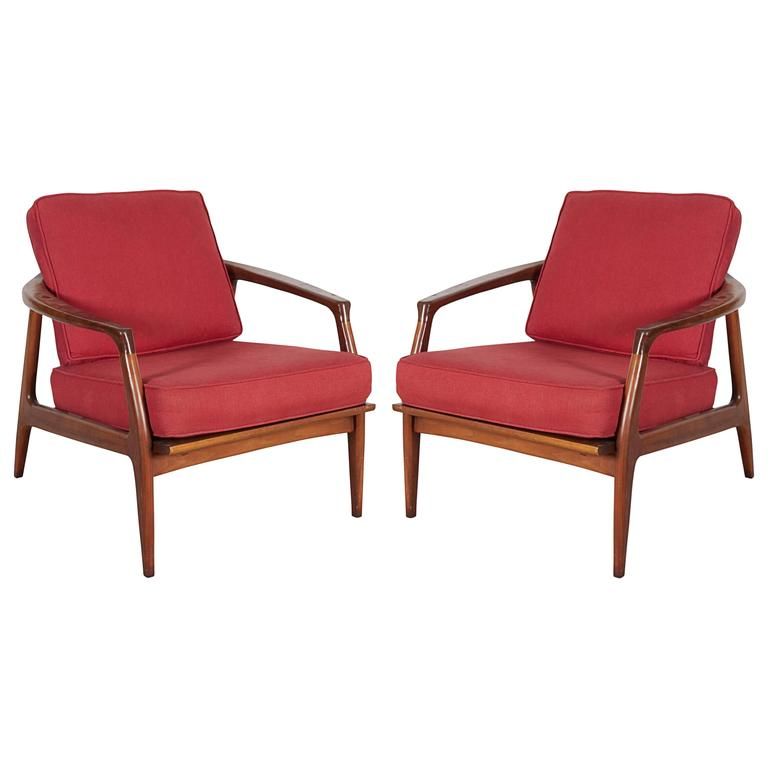 Pair of Milo Baughman Walnut Lounge Chairs for Thayer Coggin