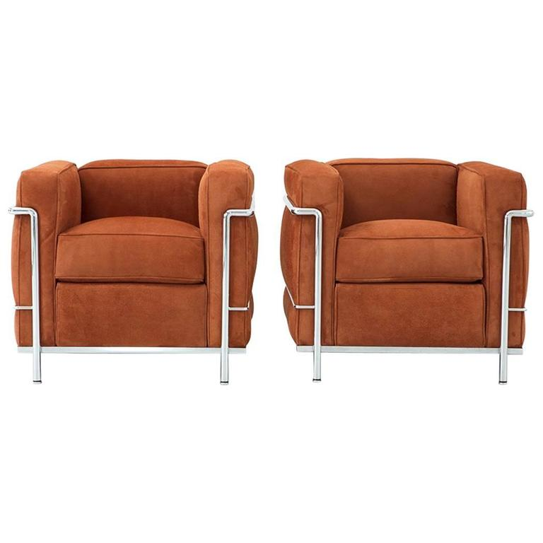 Merveilleux Set Of Le Corbusier LC2 Lounge Chairs For Cassina Reupholstered In Suede  For Sale