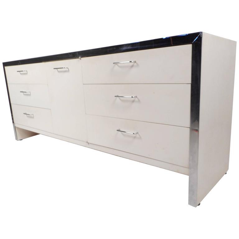 Mid-Century Modern Dresser in the Style of Milo Baughman