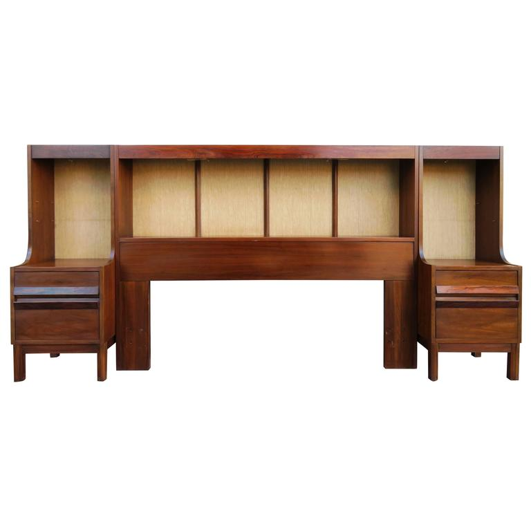 Unusual American Of Martinsville Walnut Rosewood Headboard Nightstands 1