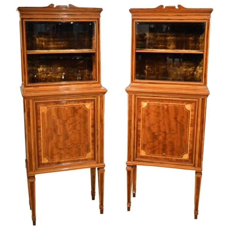Fine Quality Pair of Fiddleback Mahogany Edwardian Period Inlaid Cabinets For Sale