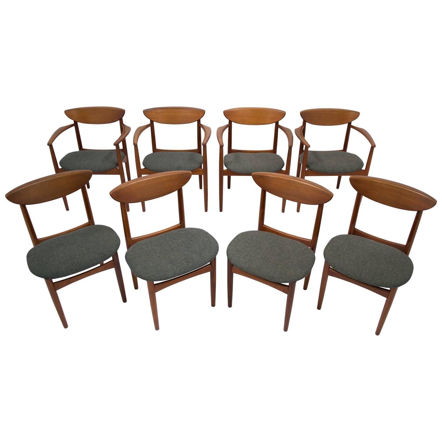 Mid Century Dining Chairs Set of Eight in Teak by Kurt Ostervig