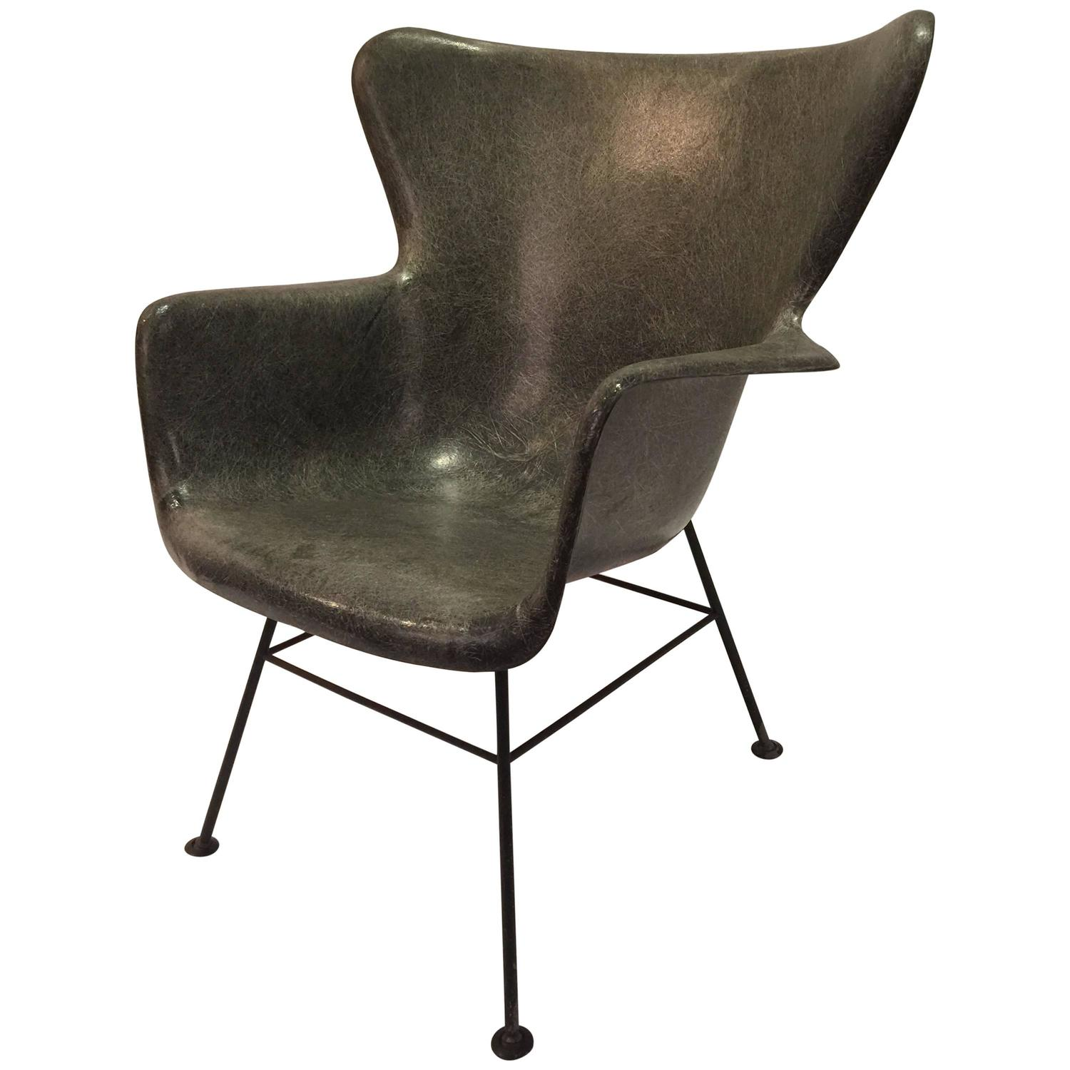 Lawrence Peabody for Selig Wingback Fiberglass Chair For Sale at
