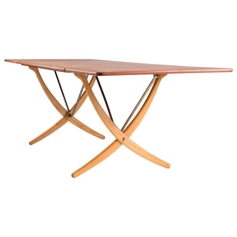 Midcentury Hans Wegner Drop-Leaf Table AT-304 For Sale
