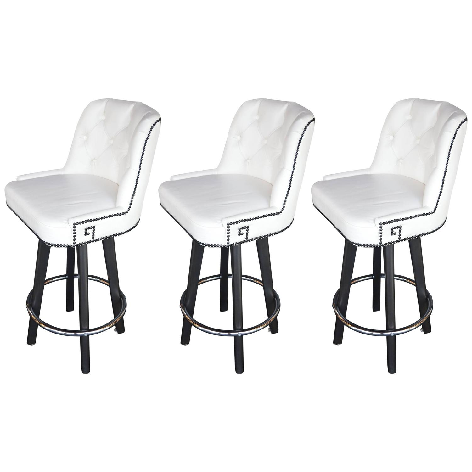 Set of Three White Leather Bar Stools at 1stdibs : 6300963z from www.1stdibs.com size 1500 x 1500 jpeg 83kB