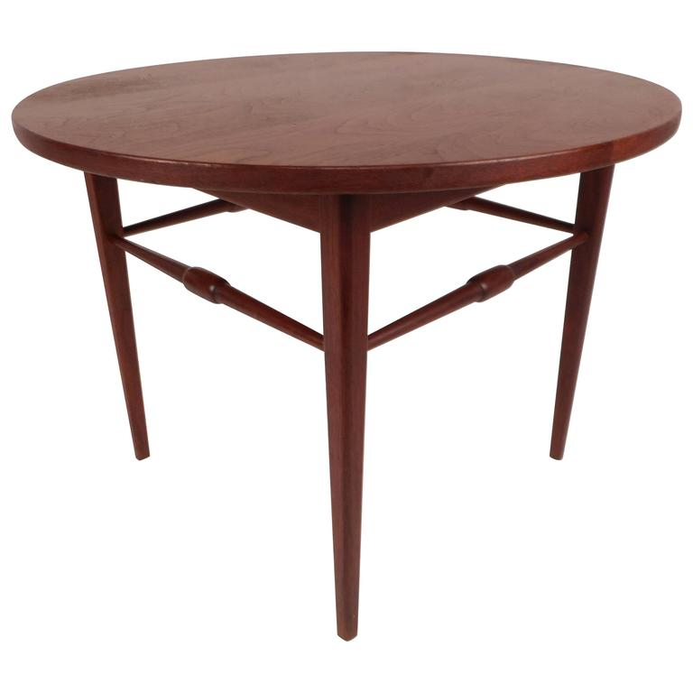 Mid Century Modern Round End Table For Sale At 1stdibs