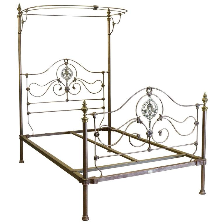 gold double half tester bed m4p22 at 1stdibs. Black Bedroom Furniture Sets. Home Design Ideas