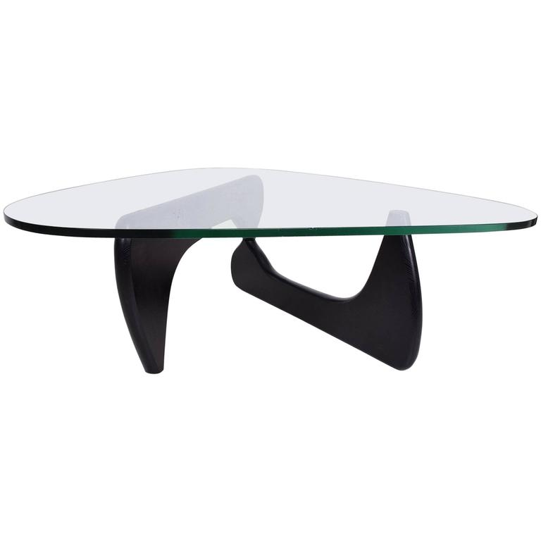 mid century modern coffee table after isamo noguchi at 1stdibs. Black Bedroom Furniture Sets. Home Design Ideas