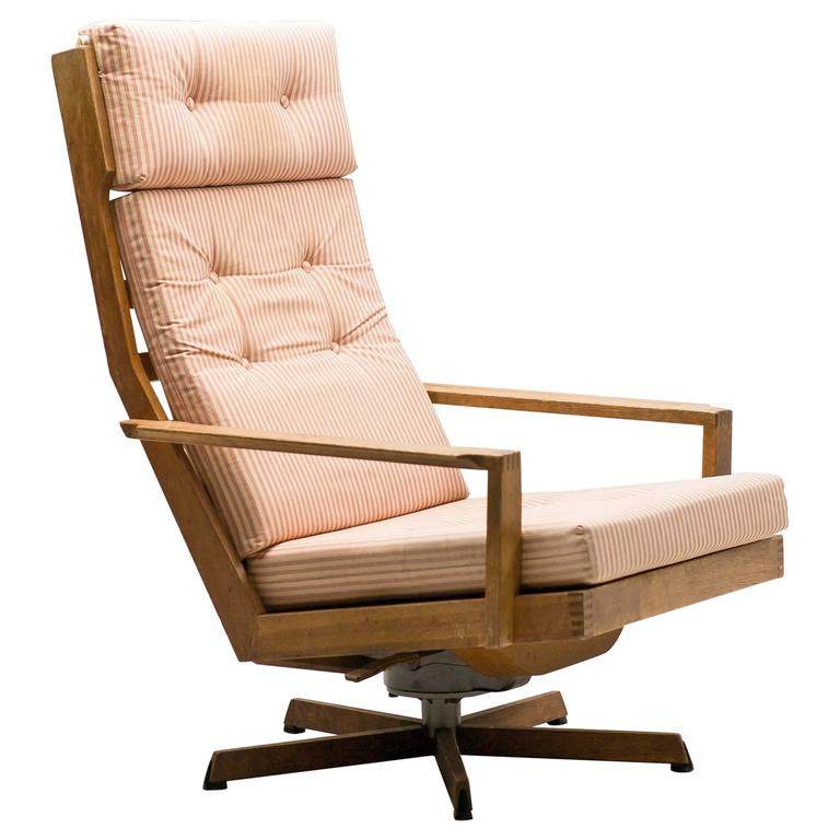 Danish Madsen and Schubel Oak Lounge Chair For Sale