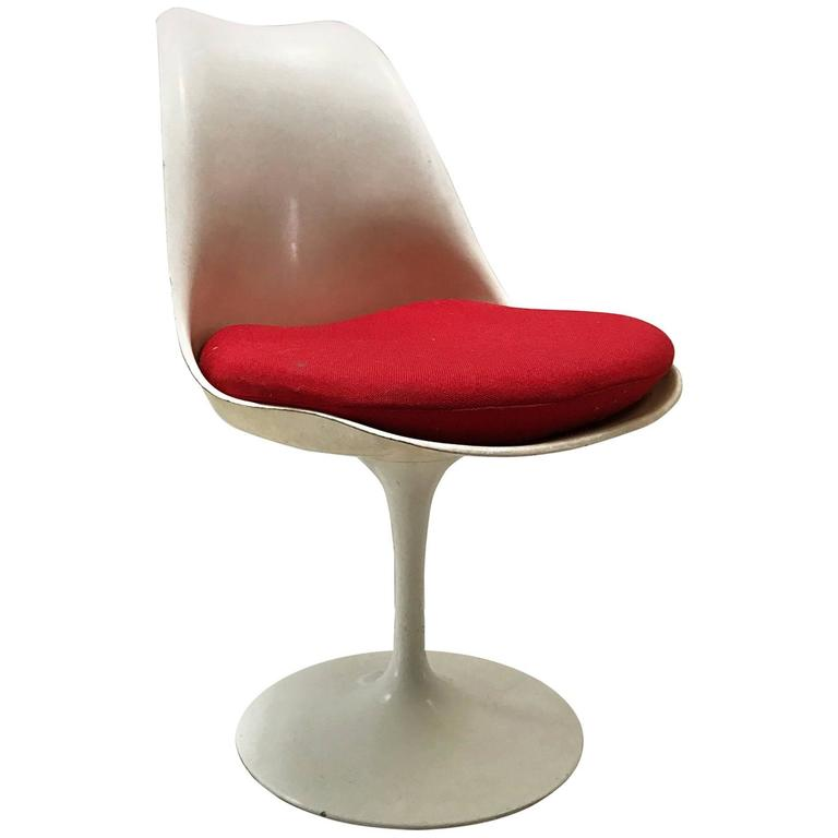 Saarinen tulip chair by knoll for sale at 1stdibs - Tulip chairs for sale ...