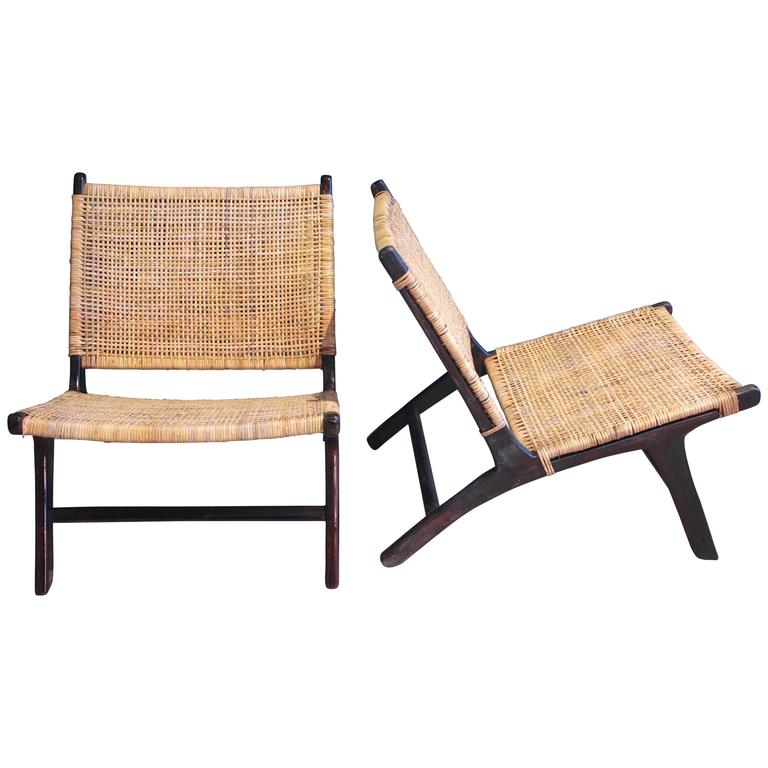 Charmant Pair Of Scandinavian Rattan Lounge Chair For Sale