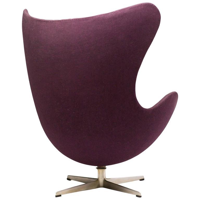 early all original arne jacobsen egg chair at 1stdibs. Black Bedroom Furniture Sets. Home Design Ideas