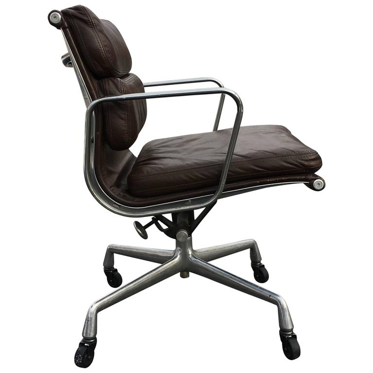 1970s Herman Miller Eames Soft Pad Management Desk Chair