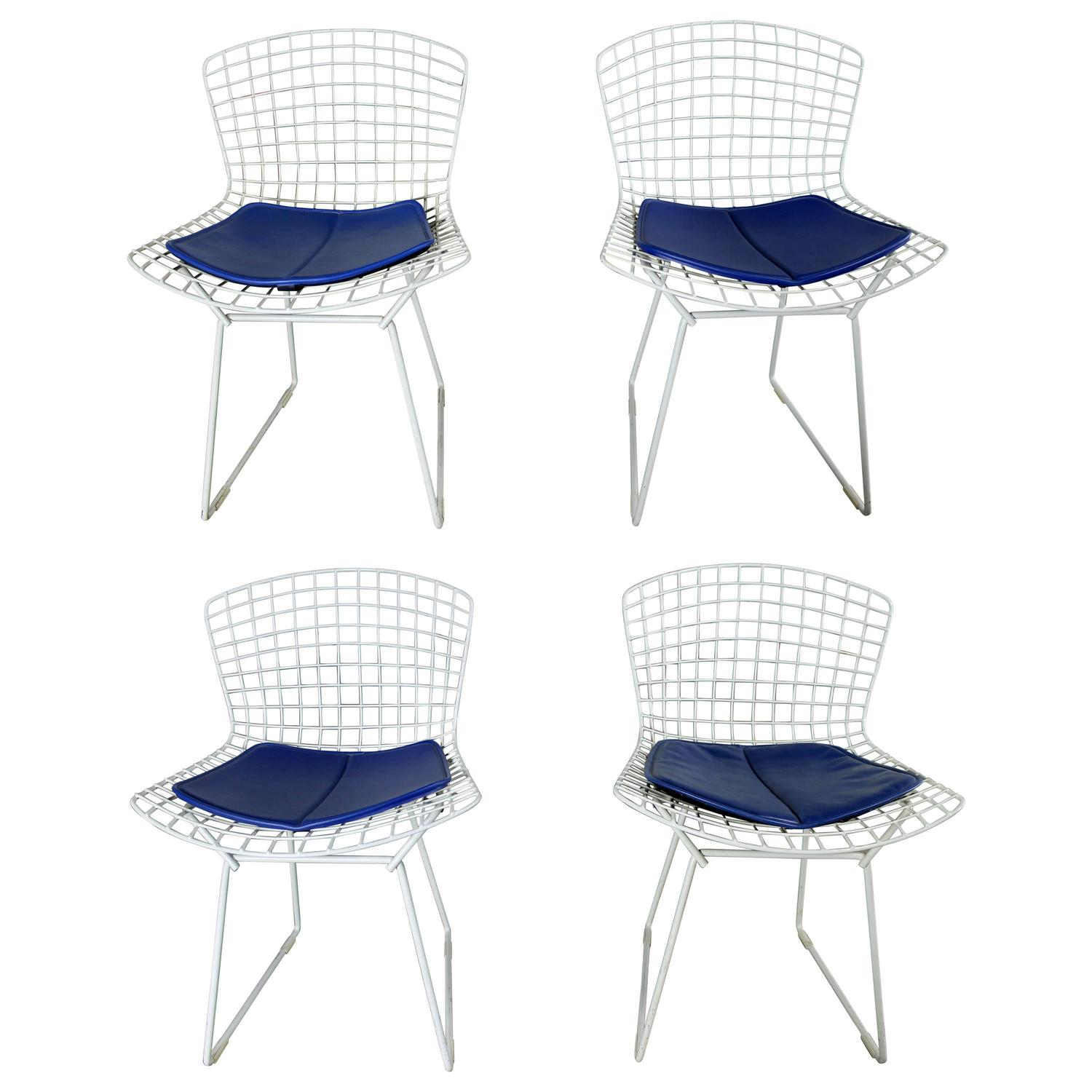 Bertoia diamond chair dimensions - Four Mid Century Modern Bertoia White Wire Side Chairs For Sale At 1stdibs