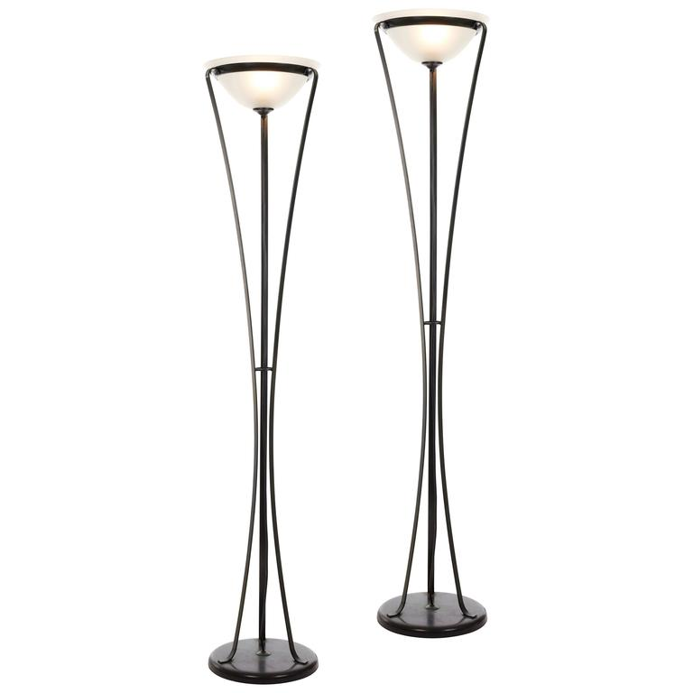 Pair of elegant 1970s floor standing uplighters in metal for Floor uplighters