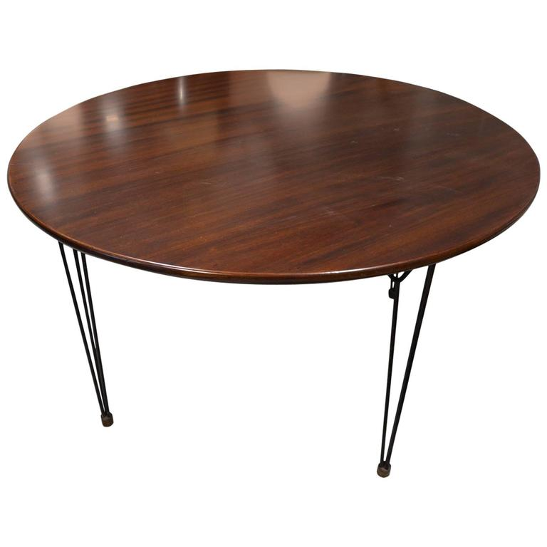 Beautiful italian round table circa 1960 at 1stdibs for Beautiful round dining tables